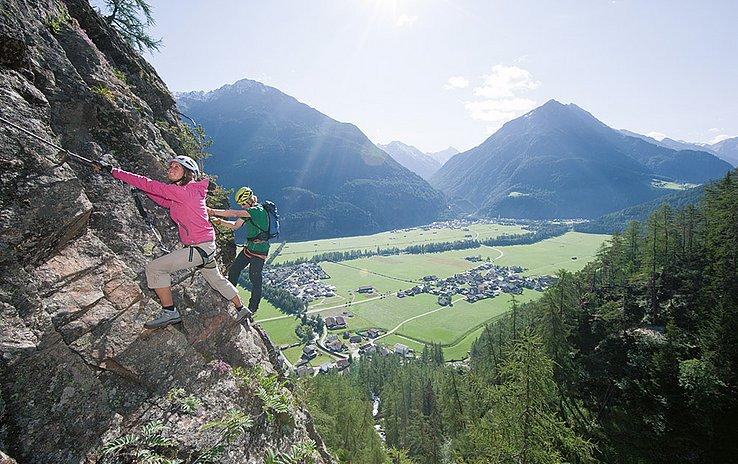 Erleben Sie die zahl-reichen Kletterrouten.
